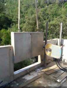 Demolición en muro de hormigón