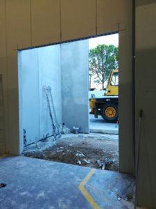 Apertura de puertas en una industria en Tarragona